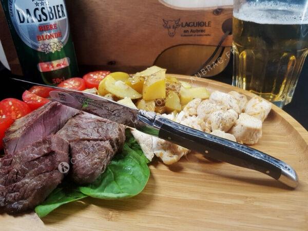 couteau à steak laguiole en aubrac coute de buffle noir