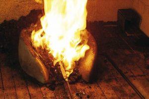 acier chauffe a la forge