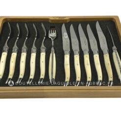 ménagère couteaux et fourchettes laguiole en os de boeuf